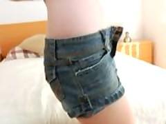 Molodaja ryzhenkaja prytkaja devka pervyj raz snimaetsja v porno