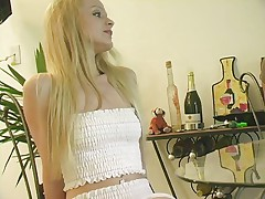 Jeshli - krasivaja blondinka v gorjachem dejstvii
