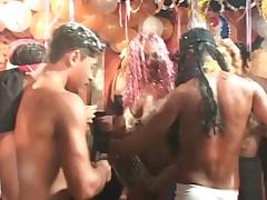 Бразильская оргия во время карнавала