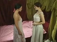 Как на Руси девки близняшки лесбийскую любовь познавали
