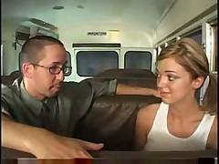 Учитель успокоил студентку доведя её до оргазма