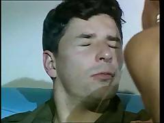 Francuzskij soldat trahaet Alzhirskuju devushku v popku