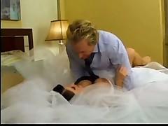 Красивый секс с невестой на сватьбе