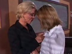 Горячее лесбийское видео в школе, училка с ученицей