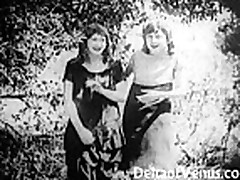 Klassicheskoe video zreloj damy s volosatoj kiskoj