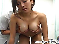 Udivitel'nyj seks massazh dlja moloden'koj