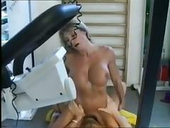 Занятия бодибилдингом очень сексуальны
