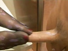 Чувствительные ножки и сладкая киска
